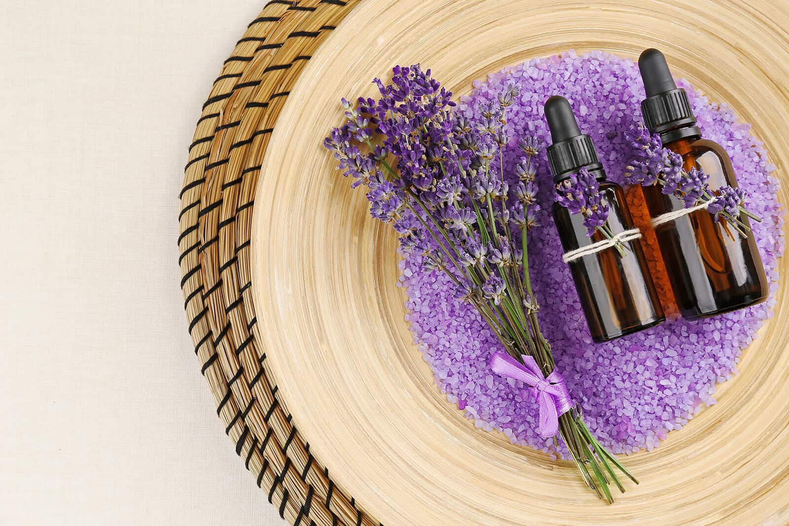 Cases and displays for Essential oils
