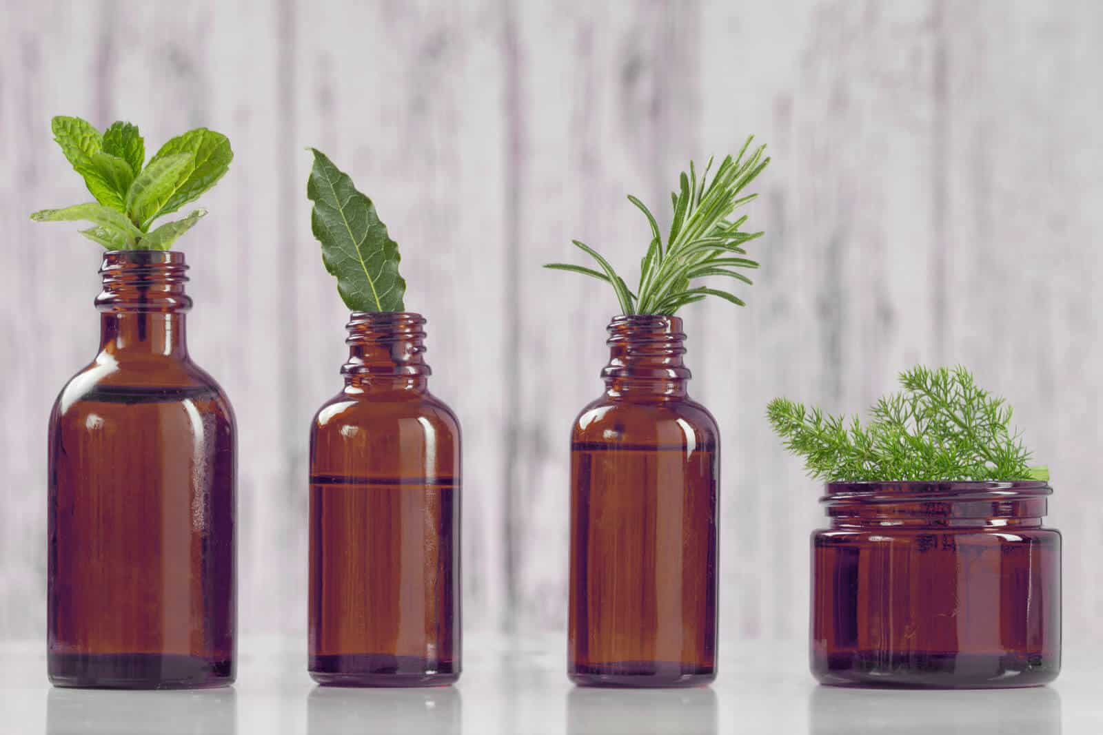 How to choose the right essential oil bottle
