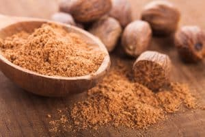 wellnessaromas-aromatherapy-essential-oil_nutmeg-benefits-uses